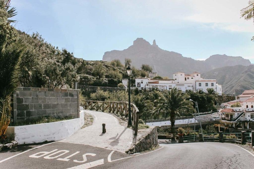 Bergdorf Tejeda auf Gran Canaria mit Ausblick Roque Nublo