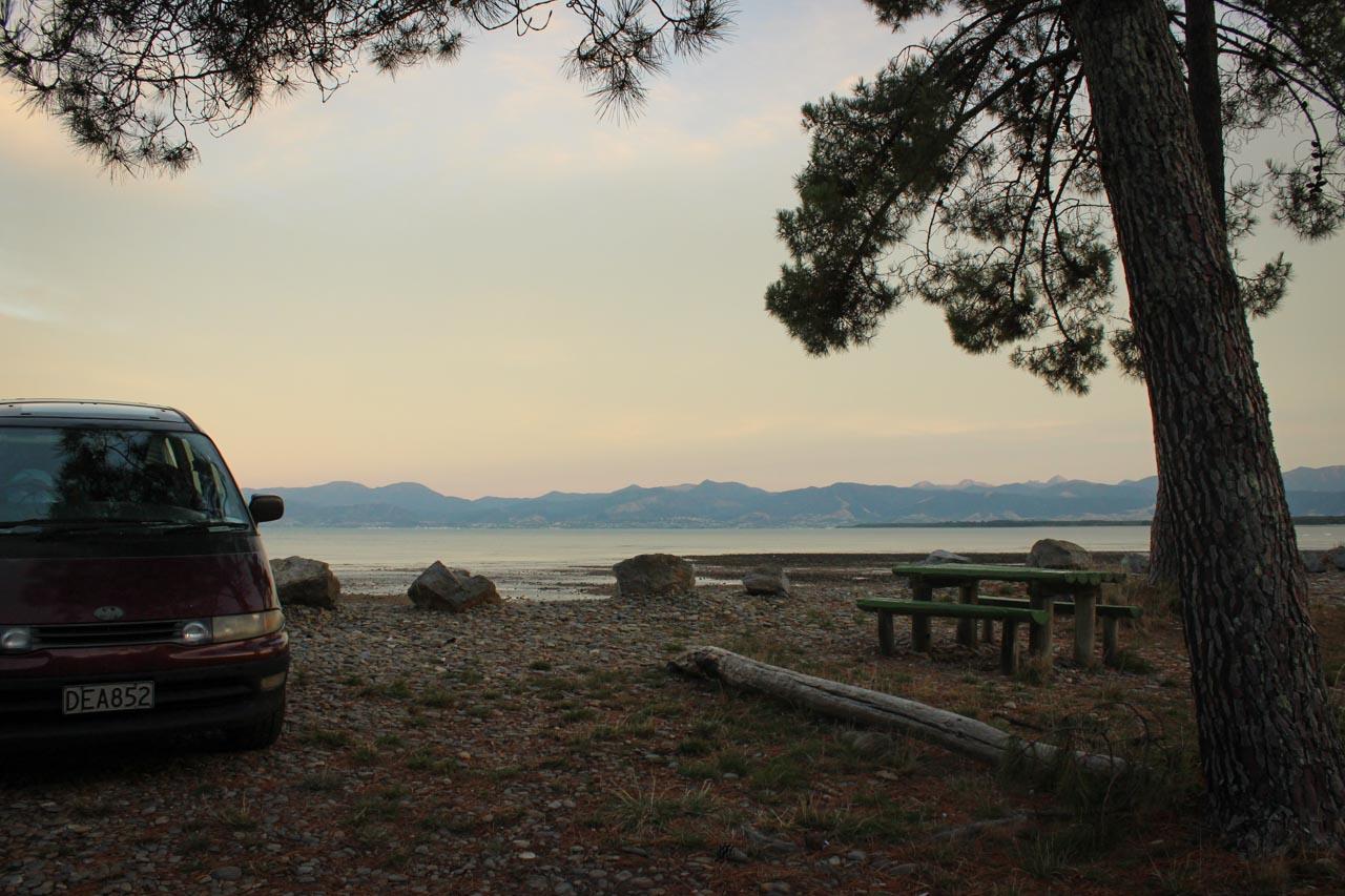 Kina Beach Campsite Ausblick auf Richmond Ranges