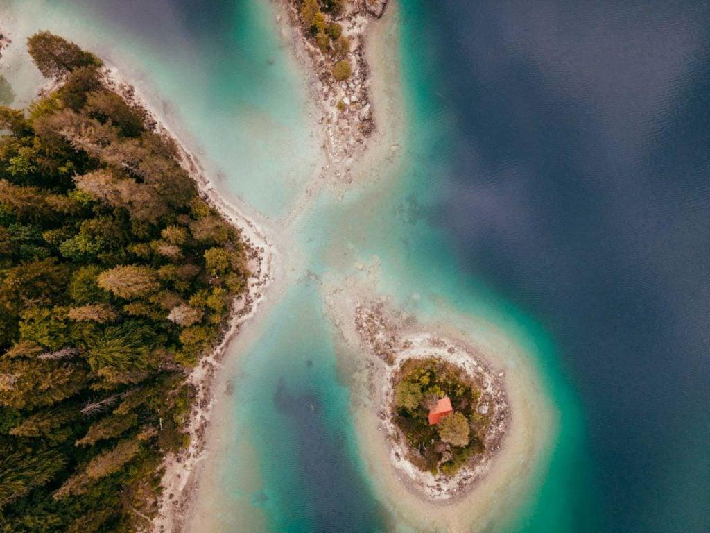 Eibsee Drohnenaufnahme der Einsiedlerinsel