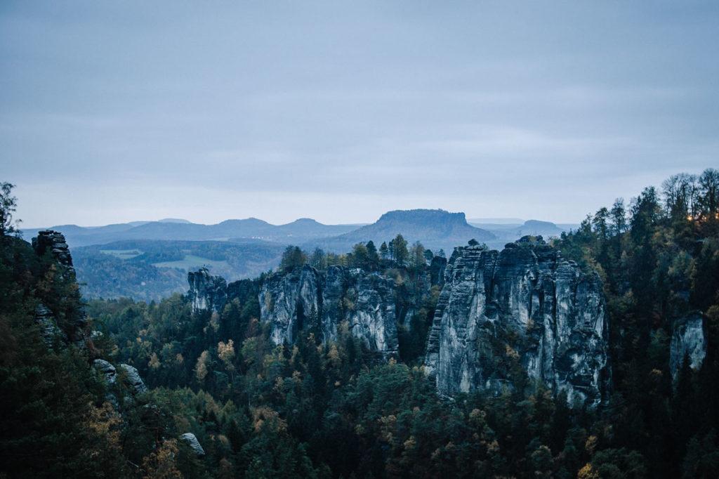 Pavillionaussicht auf die Bastei in der Sächsischen Schweiz