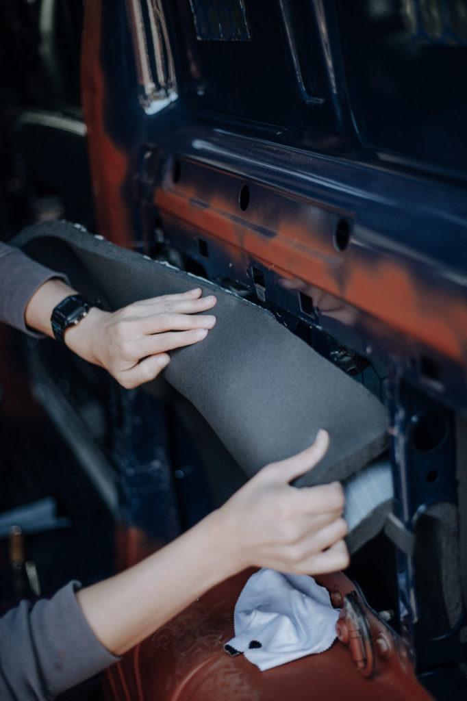 Ankleben des Armaflex Stück für Stück