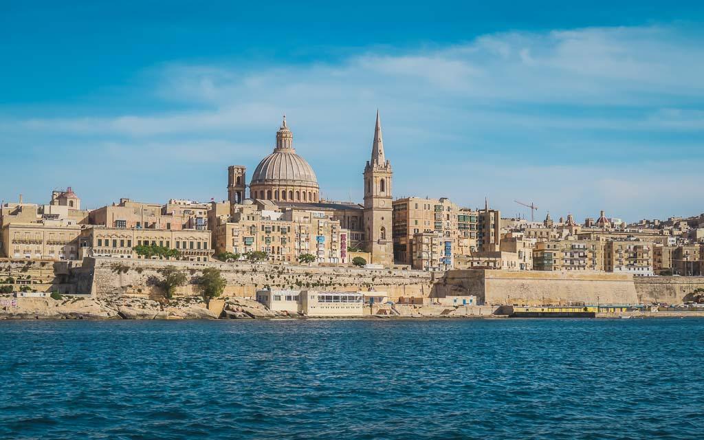 Blick auf Valletta vom Meer