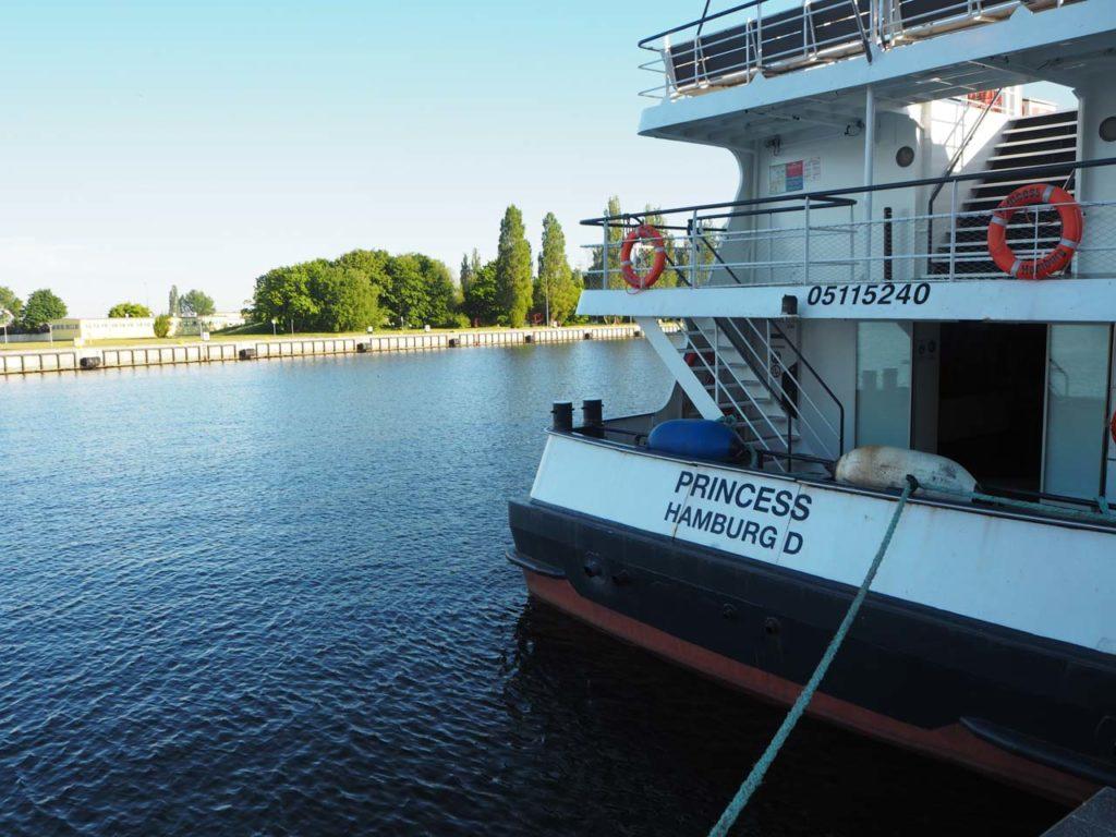 Dampfer im Hafen von Swinemünde